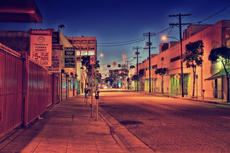 Dunkelheits-hintere Gasse im LA lizenzfreie stockbilder