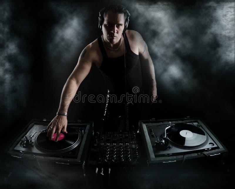 Dunkelheits-Schläge - DJ Mischen stockbild