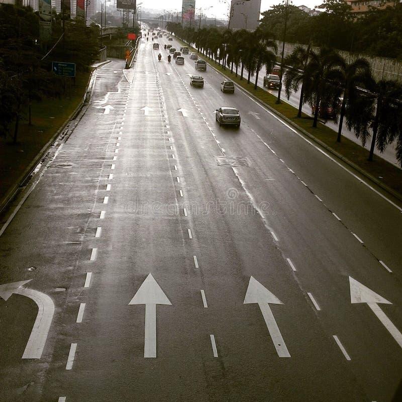 Dunkelheitsstraße stockbild