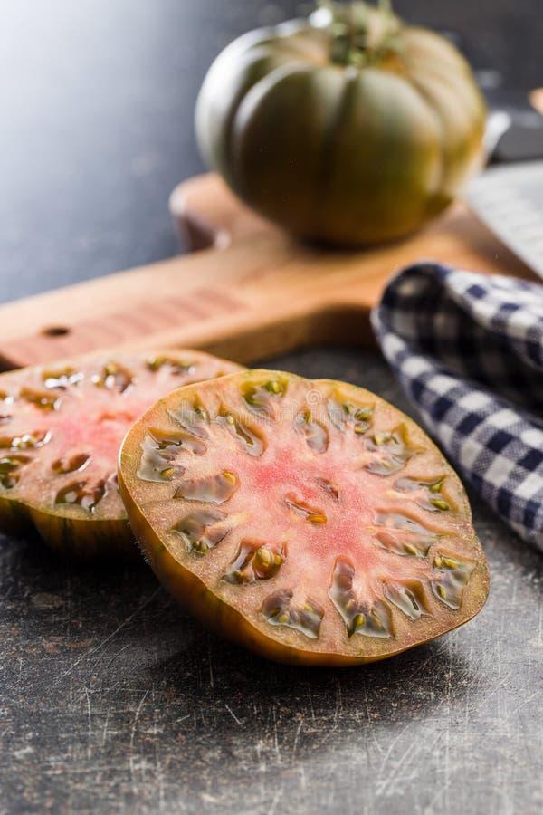 Dunkle brandywine Tomaten lizenzfreie stockfotografie