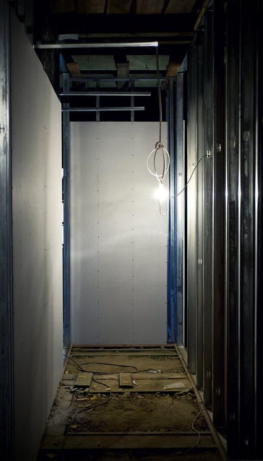 dunkler flur stockfoto bild von beleuchtung dunkel 48353156. Black Bedroom Furniture Sets. Home Design Ideas