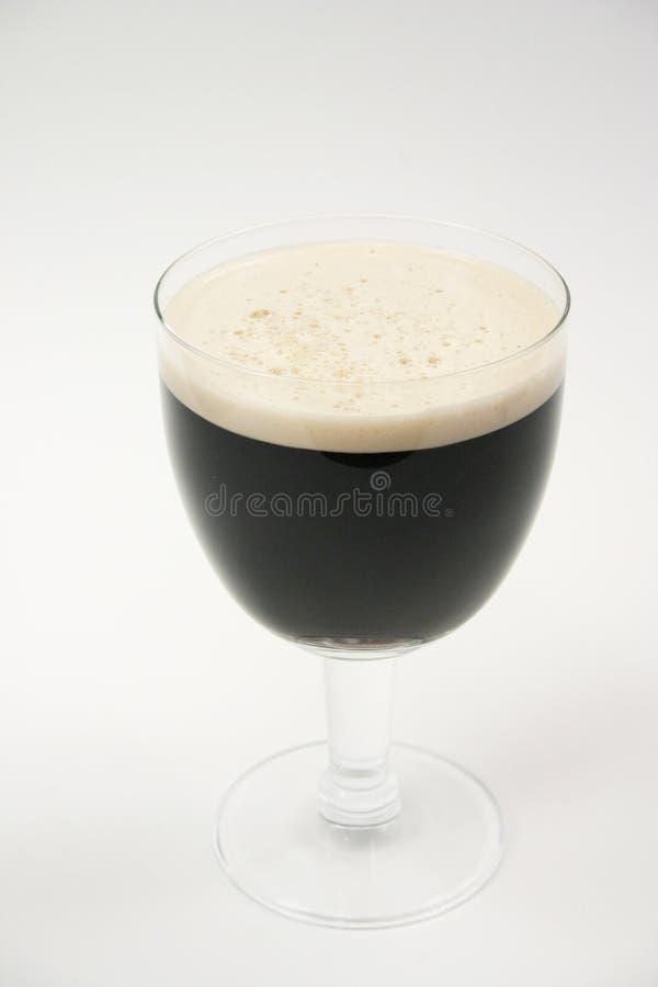 dunkles Bier, Stout   lizenzfreie stockbilder