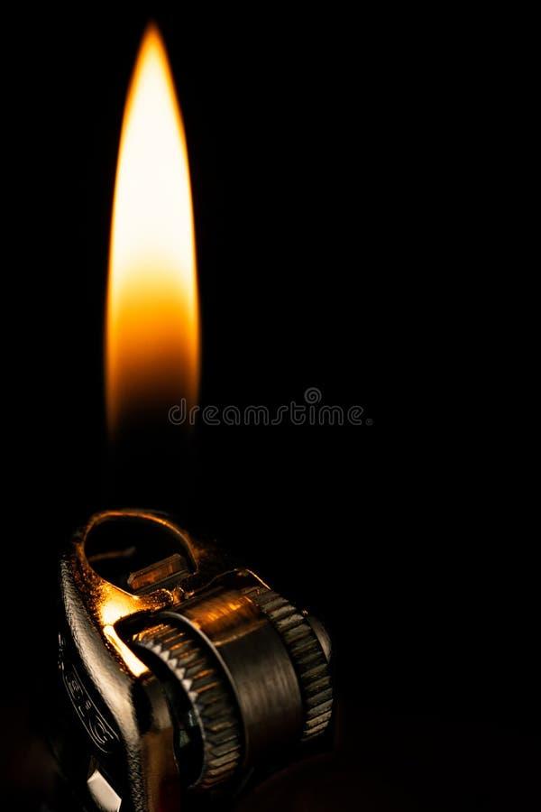 Dunkles Feuerzeug des Lit stockfotografie