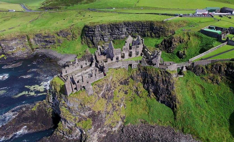 Dunluce-Schloss Co Antrim Nordirland stockfotos