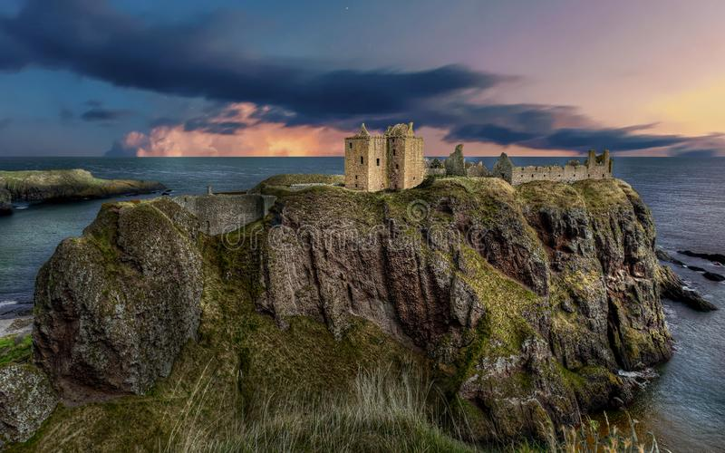 Dunnottar Castle in Schotland Near to Aberdeen - Verenigd Koninkrijk royalty-vrije stock foto
