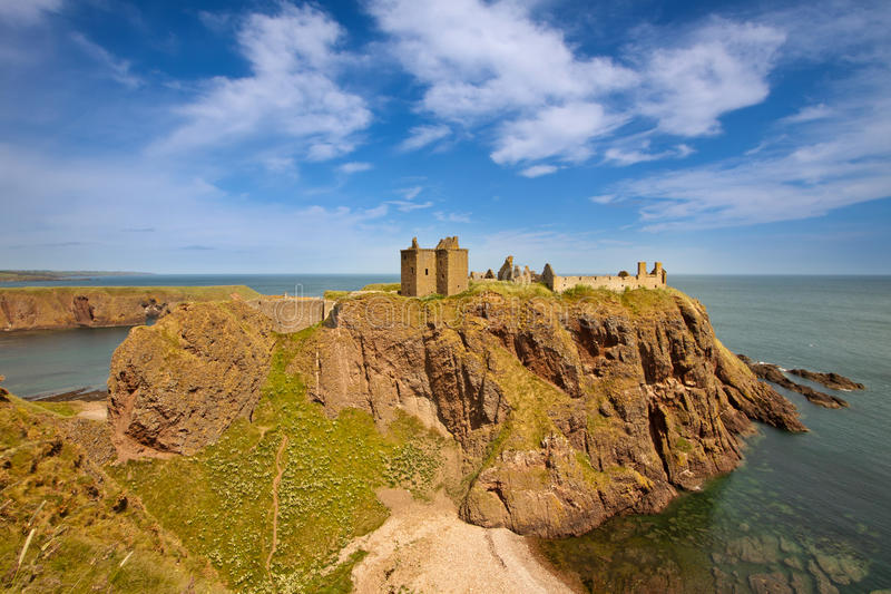 Dunnottar slott, Aberdeenshire, Skottland royaltyfri bild