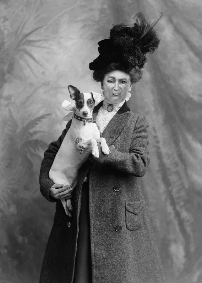 Dunny-Weinlese-Frau, Hund, Portr?t-Fotografie lizenzfreie stockfotos
