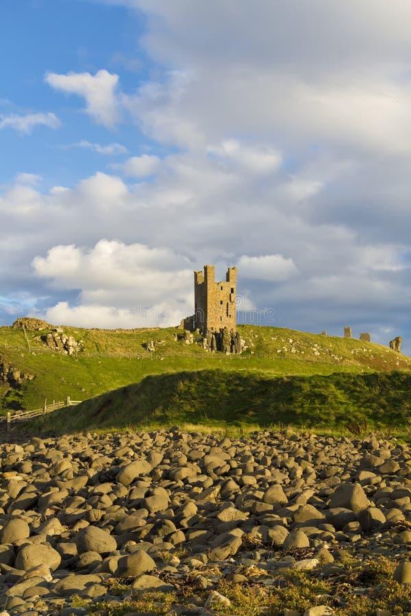 Dunstanburgh slott arkivfoton