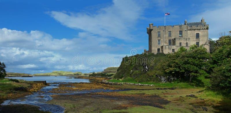 Dunvegan-Schloss auf der Insel von Skye stockfotografie