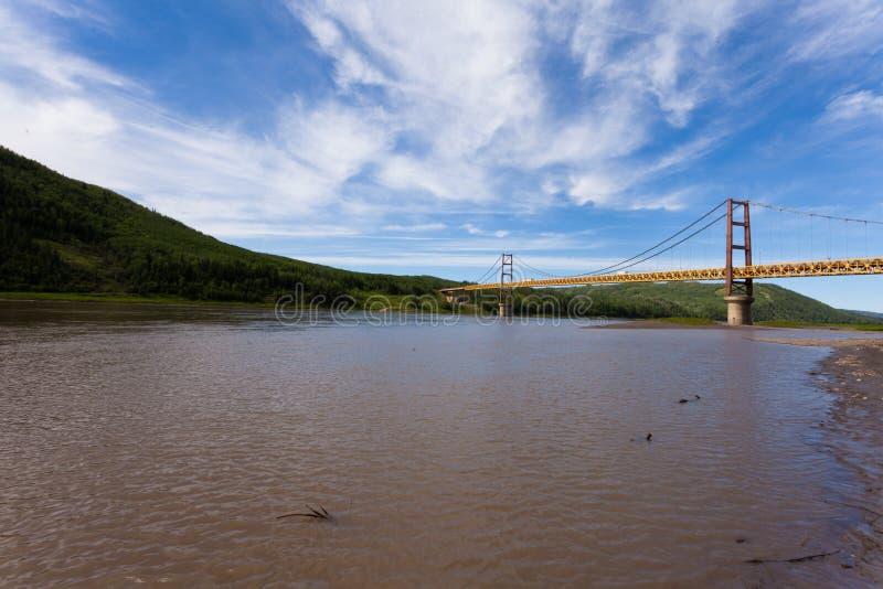 Dunvegan upphängningbro Alberta Canada royaltyfri foto