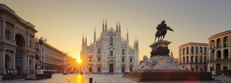 Duomo στην ανατολή στοκ φωτογραφία με δικαίωμα ελεύθερης χρήσης