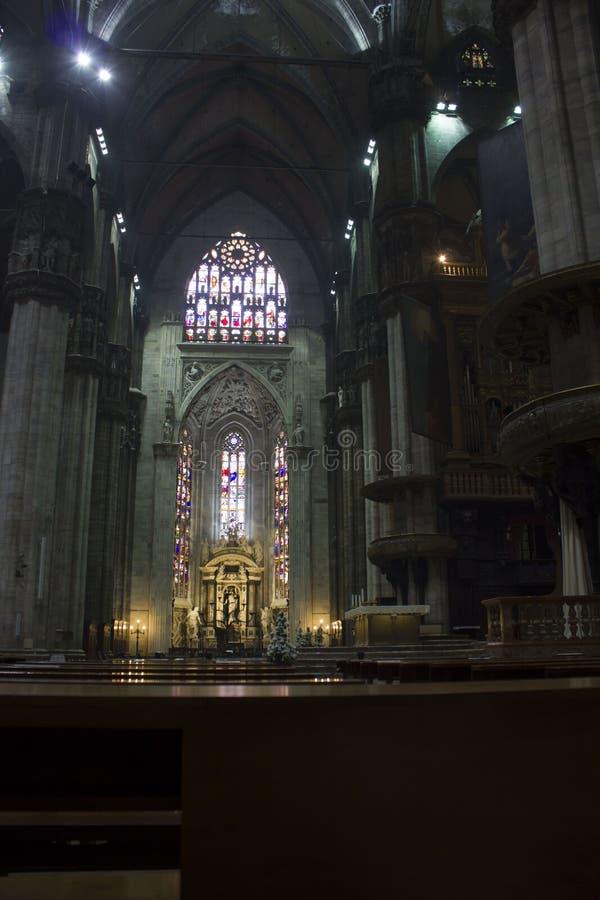 Duomo Catheral a Milano, interni dell'area liturgica immagini stock libere da diritti