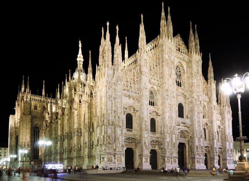 Duomo de la plaza, Milano Italia imagenes de archivo