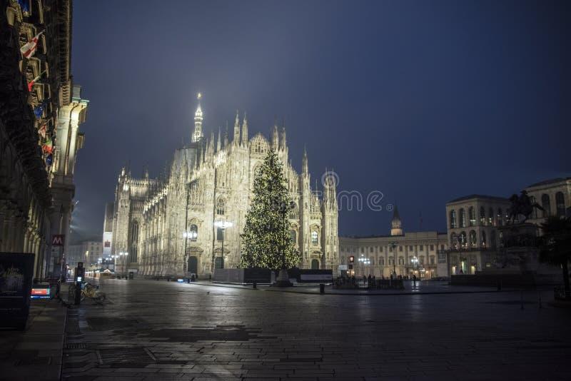 Duomo de la plaza, Milano, Italia imagen de archivo