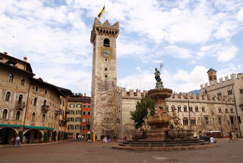 Duomo della piazza con il Torre Civica, Trento, Italia fotografia stock libera da diritti