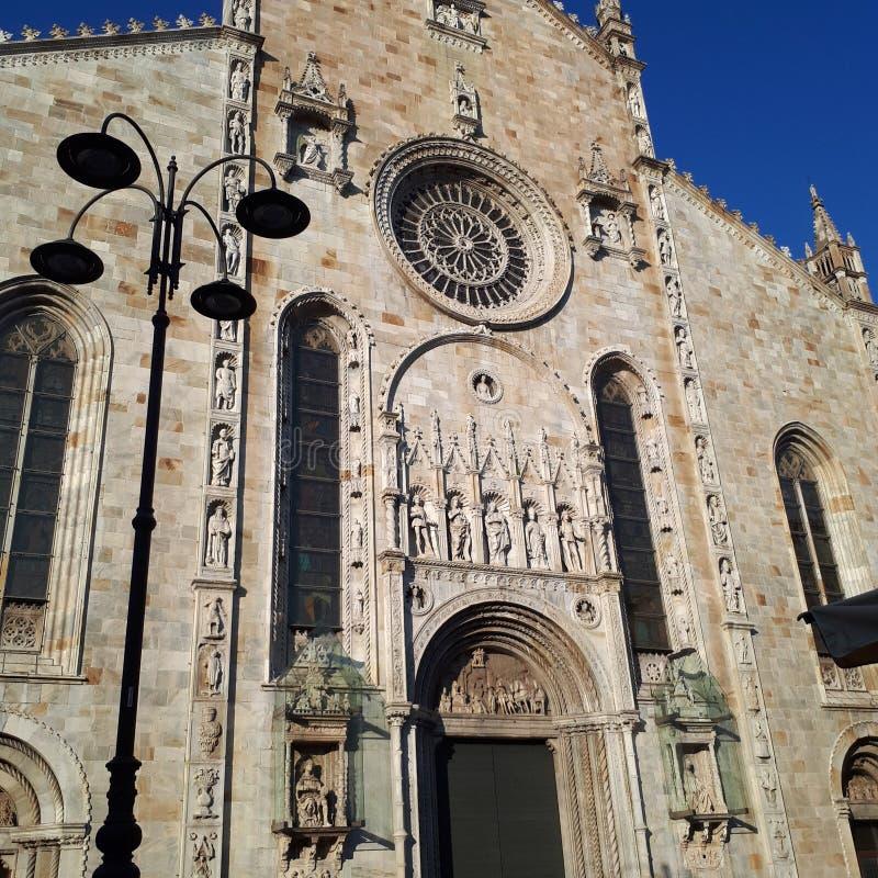 Duomo (Kathedrale), Fassade, Gebäude, Geschichte des klassischen Altertums, Behälter, Armeebehälter, Fahrzeug des gepanzerten Kam stockbild