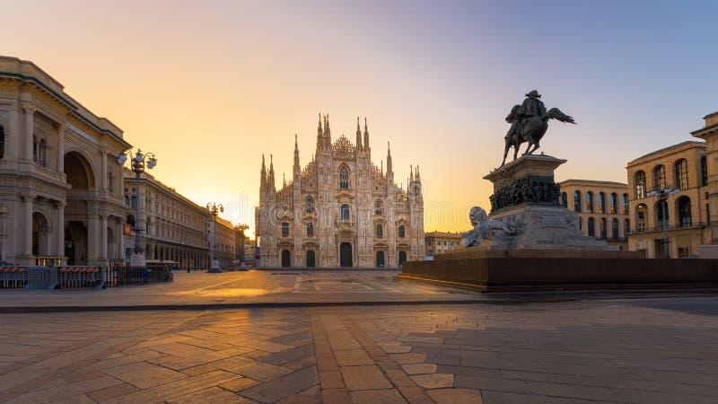 Duomo Milano ad alba fotografie stock libere da diritti