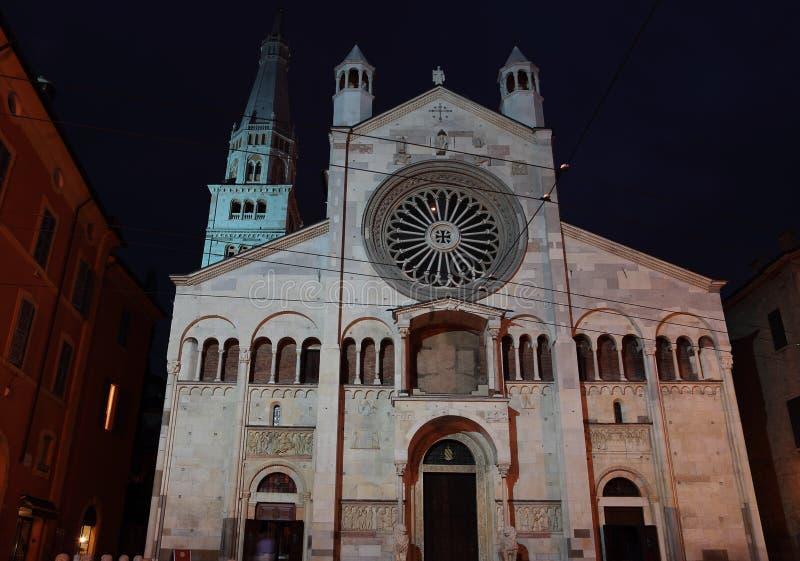 Duomo Modène la nuit, Italie images libres de droits