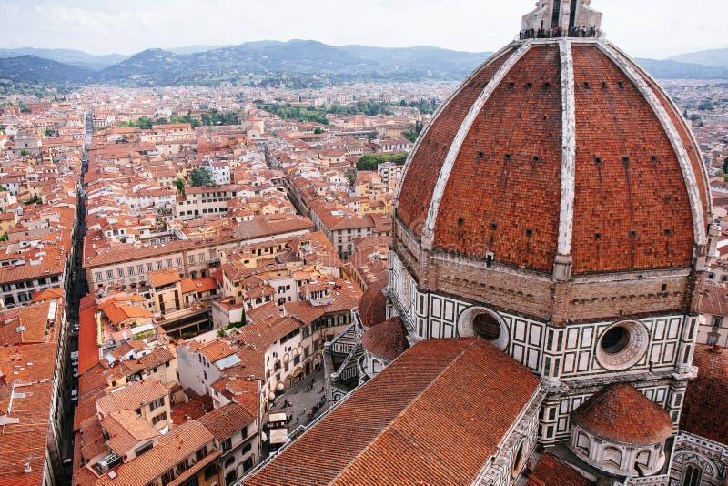 Duomo och stad av Florence royaltyfri foto