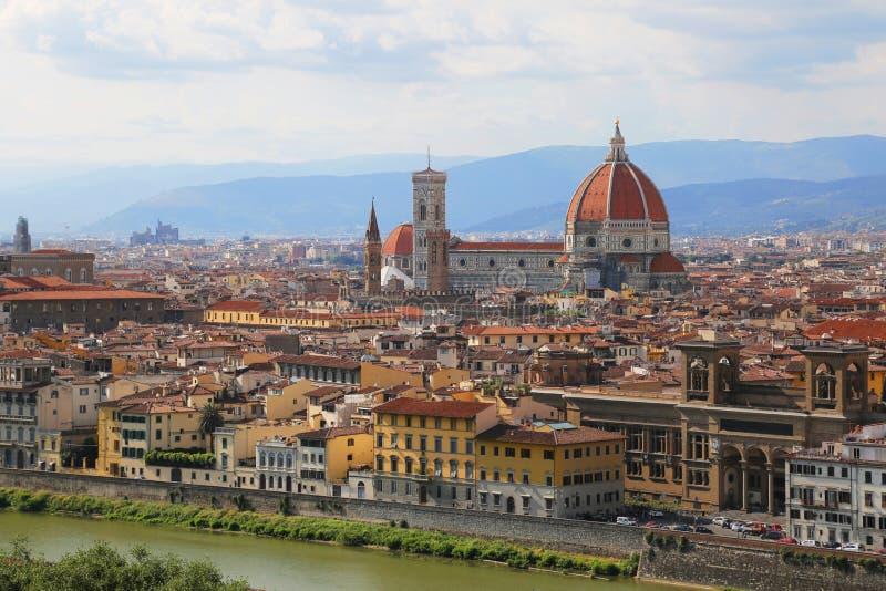 Duomo Santa Maria Del Fiore i afton från Piazzale Michelangelo arkivfoton