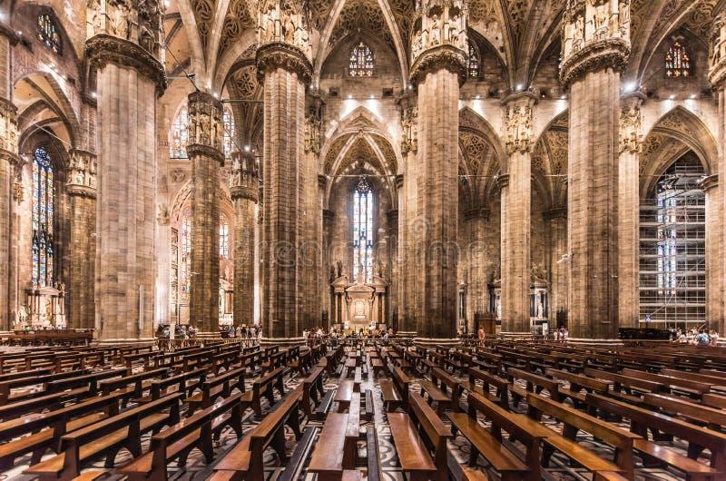 Duomo von Mailand, Italien, innerhalb der Architektur lizenzfreies stockfoto