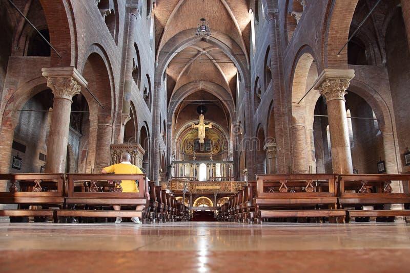 Duomobinnenland in Modena, Italië stock foto