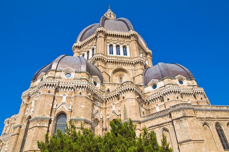 Duomodomkyrka av Cerignola. Puglia. Italien. royaltyfri fotografi