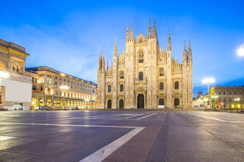 Duomoen av Milan Cathedral i Milano, Italien royaltyfria foton