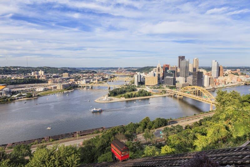 Duquesne-Neigung in Pittsburgh am sonnigen Tag stockbilder