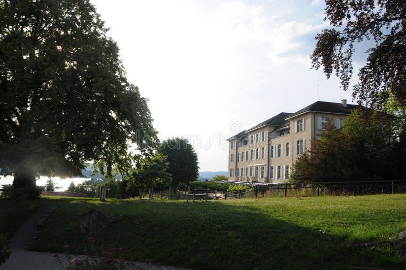 Durante 125 años de existencia: la casa suiza del fundador del centro de la epilepsia en ciudad rica del ¼ de ZÃ foto de archivo