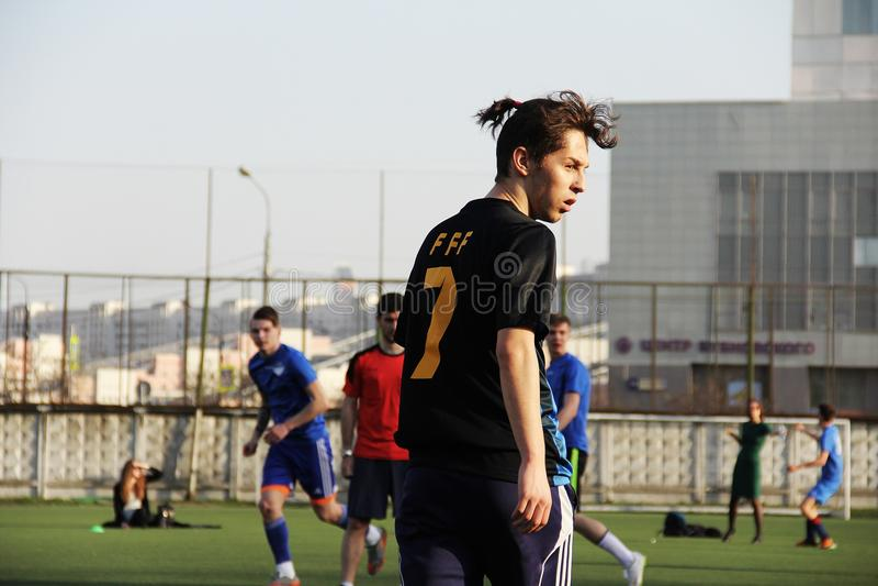 Durante o fósforo de futebol fotografia de stock