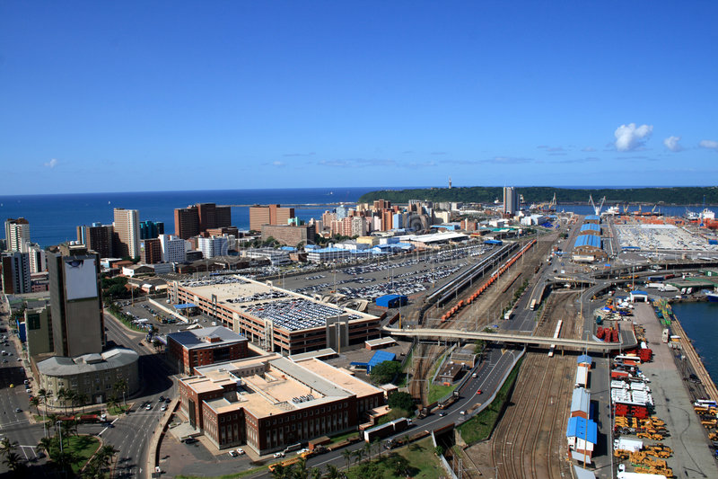 Durban-Stadt- u. Hafenüberblick stockbild