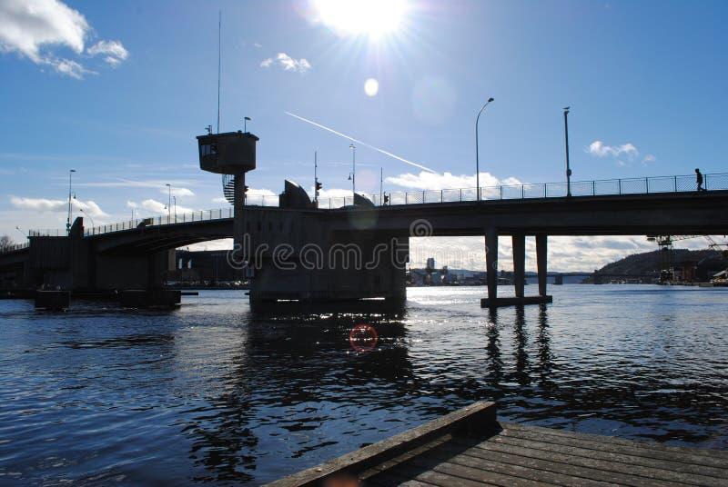 Durch den Fluss stockfoto