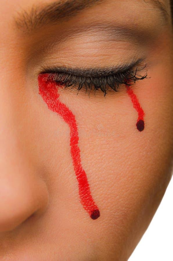 Durchblutungen von den geschlossenen Augen der Frau stockfoto
