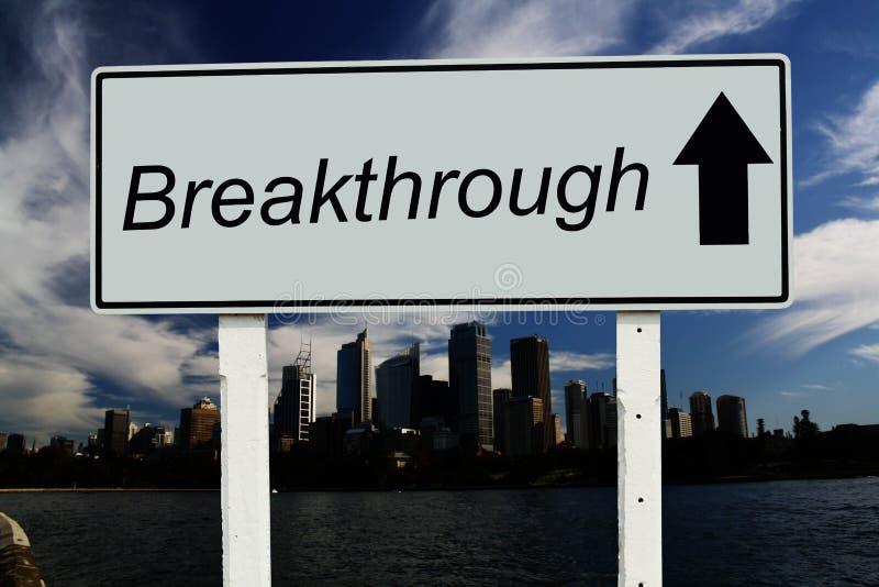 Durchbruch gehen Zeichen gerades lizenzfreies stockbild