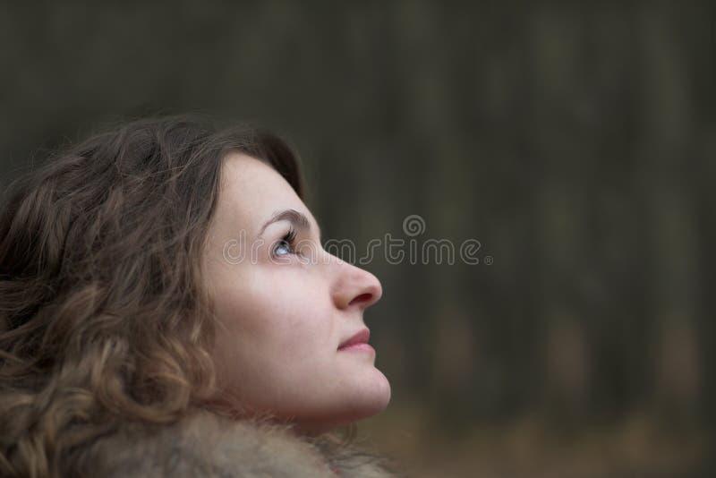 Durchdachte Frau stockbilder
