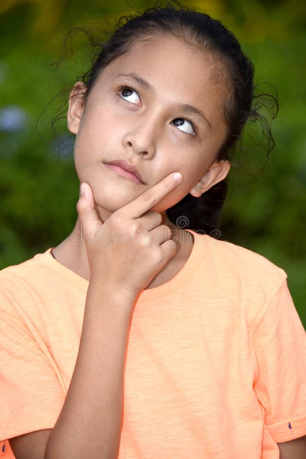 Durchdachte Minderheits-Jugendfrau stockbild
