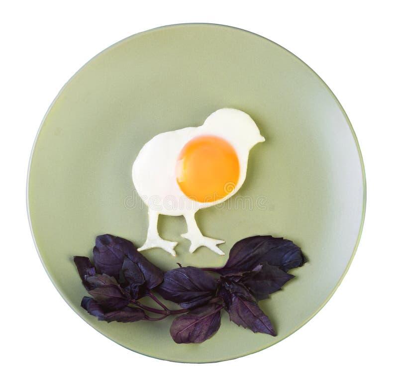Durcheinandergemischte Eier gemacht in Form von Huhn lizenzfreie stockfotos