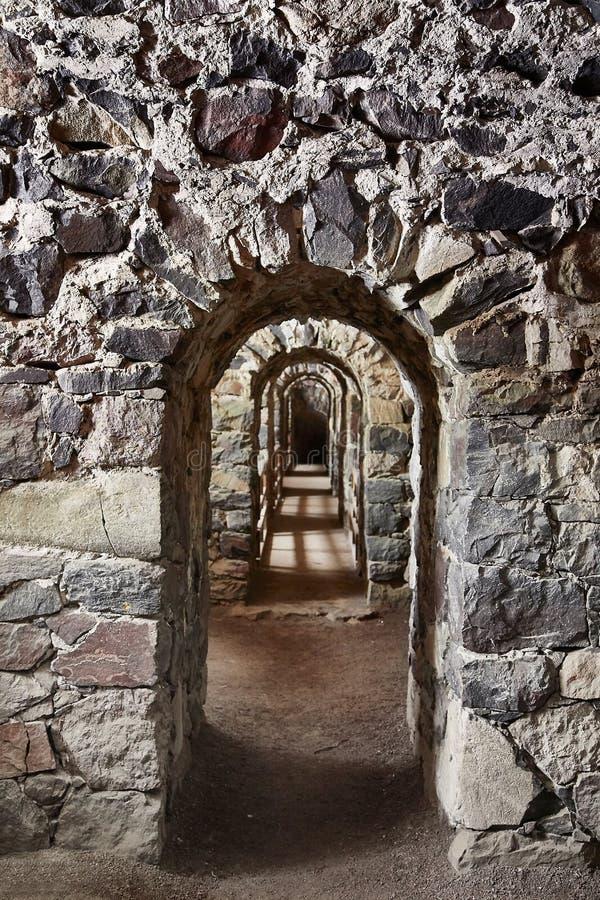Durchgang eines alten Schlosses lizenzfreies stockbild