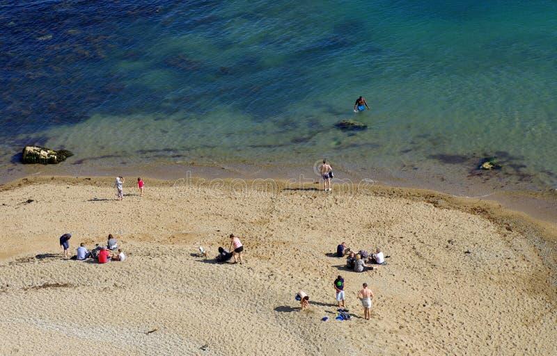 Durdle Door, uno dei paesaggi più iconici della Costa Giurassica durante la stagione estiva fotografia stock
