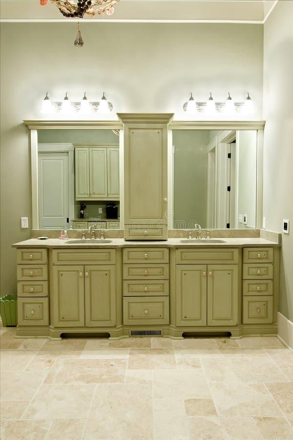 Dure badkamerskabinetten stock afbeeldingen