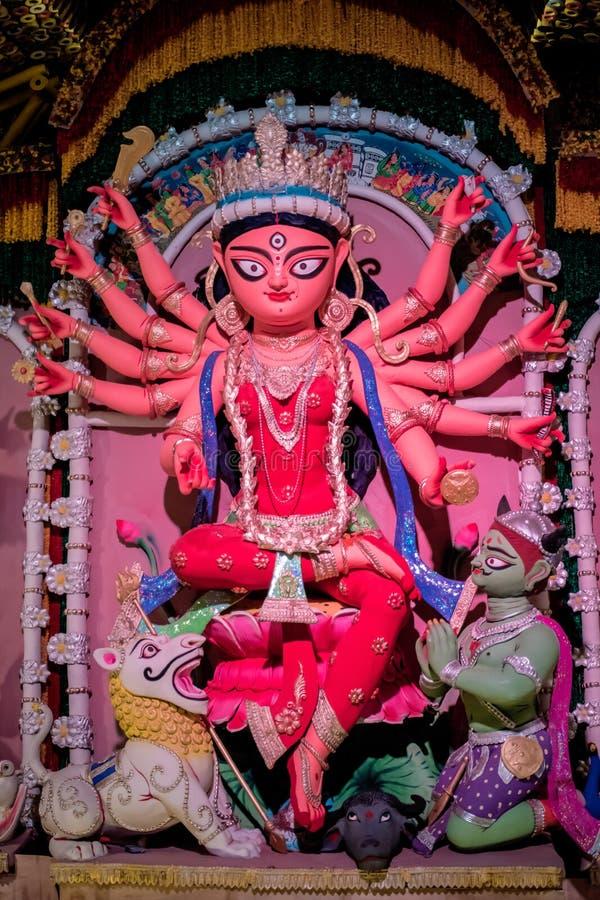 Durga Puja, tambi?n llamada Durgotsava, es un festival hind? anual en el subcontinente indio que venera a la diosa Durga fotos de archivo