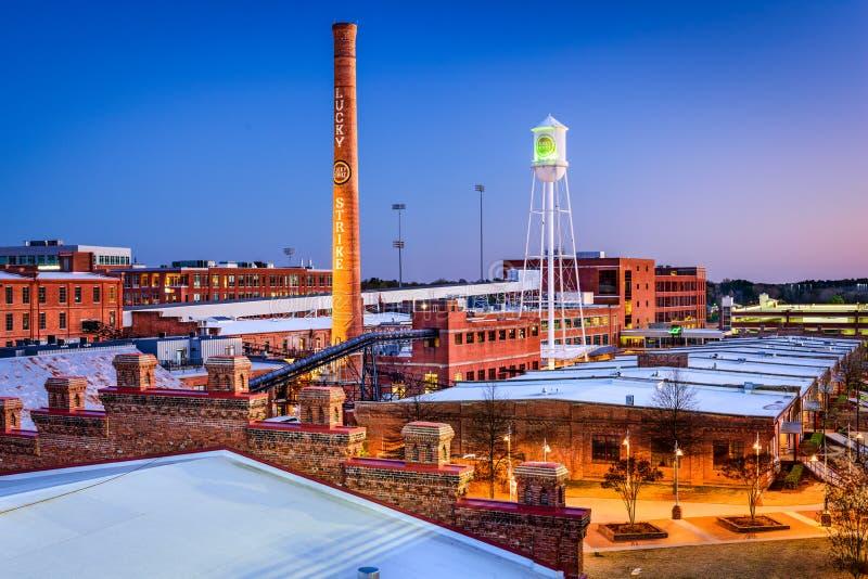 Durham, Carolina Downtown norte no crepúsculo fotos de stock