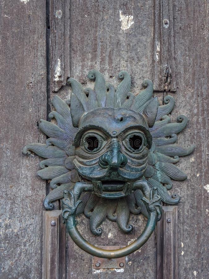 DURHAM, COMTÉ DURHAM/UK - 19 JANVIER : Vieux heurtoir de porte au photographie stock libre de droits