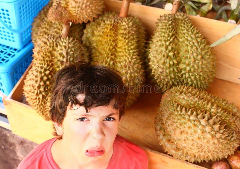 Durian de la préadolescence d'odeur de garçon image libre de droits