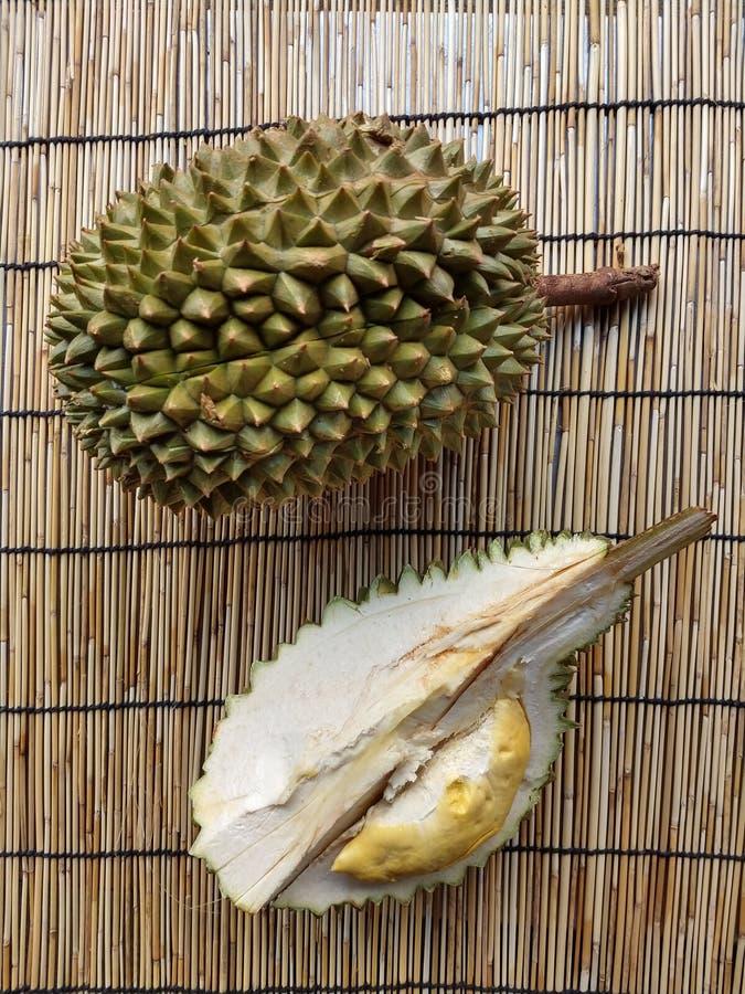 Durians o rei do fruto foto de stock royalty free
