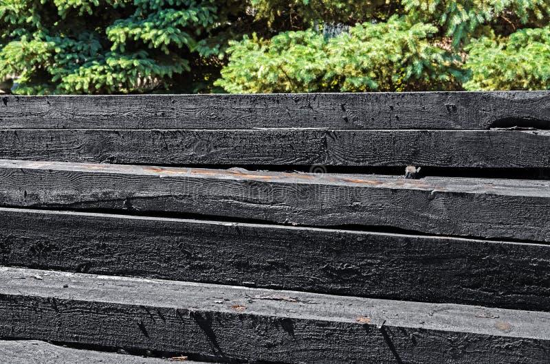 Durmientes de madera del ferrocarril imágenes de archivo libres de regalías