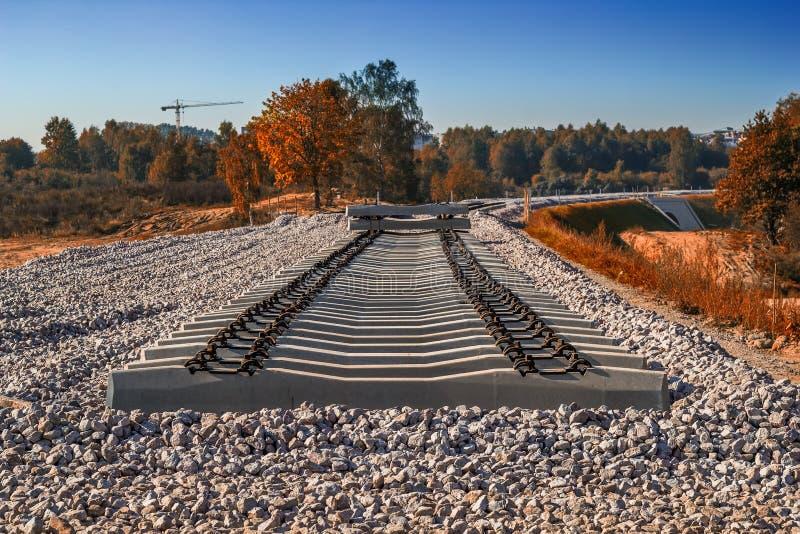 Durmientes ferroviarios concretos foto de archivo libre de regalías
