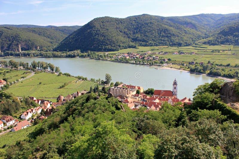 Durnstein by i den Wachau dalen arkivfoton