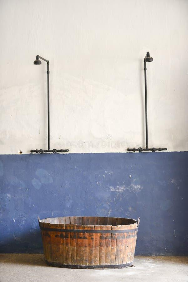 Dusch i den lilla fästningen i Terezin arkivfoton